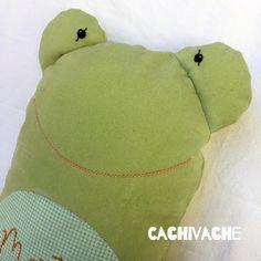 Peluche-almohada con forma de rana personalizado