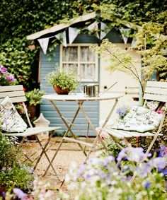 11 beautiful photos that prove every woman needs a She Shed prima.co.uk