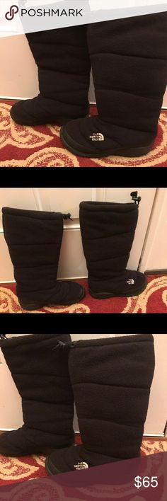 North Face Heat Seeker 200 Gran Insulation NWOT North Face Womems sz 7 NWOT Heat Seeker Boots. Fleece 200 insulation. Smoke free home.  Next day shipping. Please feel free to ask any questions. Thank you for shopping my closet. Offers always welcome❤️ North Face Shoes Winter & Rain Boots