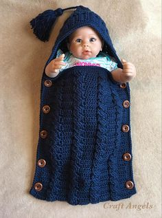 Cosy blue cocoon cosy cabled cocoon in king cole aran – Artofit Baby Cocoon Pattern, Crochet Baby Cocoon, Crochet Baby Clothes, Baby Blanket Crochet, Baby Hats Knitting, Knitting For Kids, Baby Knitting Patterns, Baby Patterns, Häkelanleitung Baby