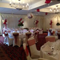 Burgundy Chair Covers Wedding Bedroom Types 295 Best Balloons Images And Balloon Displays In Ivory At The Hilton Kents Hill Mk