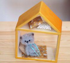 3.5 inches miniature Teddy bear SET, bedding set, Blythe friend, dollhouse, artist teddy bears, miniature animals, ooak bear, crochet bear by tipptopp on Etsy https://www.etsy.com/listing/477306627/35-inches-miniature-teddy-bear-set