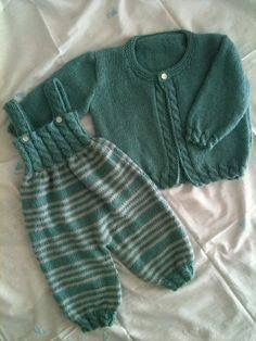 Knitting Baby Vest Baby Ligt Green-Ligt Grey Line Hand knitted Overalls with detail. Knitting Baby Vest Baby Ligt Green-Ligt Grey Line Hand knitted Overalls with detail. Baby Knitting Patterns, Knitting For Kids, Baby Patterns, Free Knitting, Knitting Ideas, Crochet Patterns, Knit Baby Sweaters, Knitted Baby Clothes, Baby Cardigan