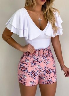 Women S Fashion Top Brands Classy Outfits, Chic Outfits, Dress Outfits, Fashion Dresses, Older Women Fashion, Summer Work Outfits, Edgy Style, Weekend Wear, Cute Fashion