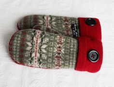 Hey, I found this really awesome Etsy listing at https://www.etsy.com/listing/180100055/sweater-mittens-wool-mittens-womens