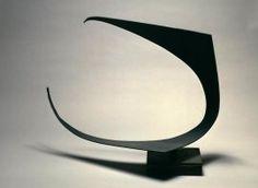 Oteiza, Jorge: Suspensión vacía. Estela funeraria. Homenaje al constructor aeronáutico René Couzinet (A)