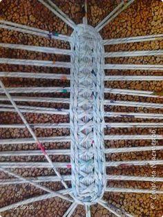 Поделка изделие Плетение корзиночка Трубочки бумажные фото 1: