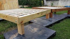 See the outline of the reclaimed wood pallet queen bed frame; single pallet is used to make the outline for which there is no need to attach many pallets due to which this frame is simple and easy to create. Here you can see 2 frames, one is painted and the other is made up of actual wooden pallets color.