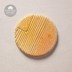 Ceramic decor magnet