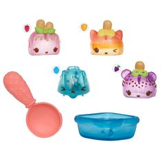 Mix and match Num Noms to create sweet, scented recipes! Collect over 100 Num Noms in Series 2! Nums are adorable, scented, squishy characters with tons of personality. Noms are scented and motorized! Stack the Nums on top of the Noms to make over 5,000 sweet scented combinations. The Num Noms Freezie Pops pack is a perfect treat on a warm day! Create wacky flavor recipes like 7 Layer Freeze! Includes 3 Nums, 1 motorized Nom, 1 spoon, 1 ice tray container and 1 collector's menu. <br><br>The…