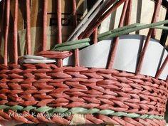 Мастер-класс Поделка изделие Плетение мк трёхцветной косы и пара плетушек Бумага газетная Трубочки бумажные фото 28