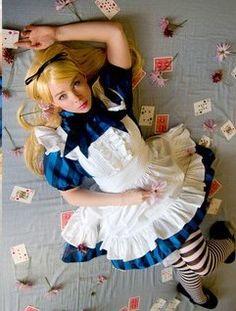 Alice au Pays des Merveilles / Alice in Wonderland Halloween Costume