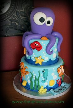 "this ""Under the Sea"" cake is so adorable!"