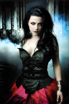 Evanescence - Amy Lee Picture from Evanescene. Add me if you're an Evanescence fan! Amy Lee Evanescence, Evanescence Lyrics, Goth Beauty, Dark Beauty, Chica Heavy Metal, Emy Lee, Teenager Party, Musica Metal, Gothic Mode
