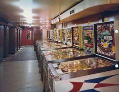 Pinball-Machine Photo Arcade Classic 8 by 10 Reprint Photograph Retro Game, Retro Arcade, Arcade Room, Pinball Wizard, Penny Arcade, Machine Photo, London Hotels, Vintage Games, Vintage Toys