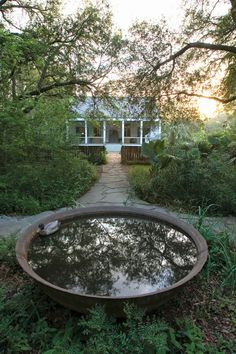 Bayou Beauty: A Mobile Cottage Home - Healthy Home - Mother Earth Living
