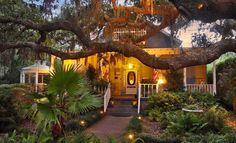Tybee Island Inn Deal of the Day | Groupon Savannah / Hilton Head wow this is where we actually stayed I cannot believe I found this it has been 20 + years since then...