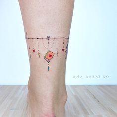 © Ana Abrahão (@abrahaoana) on Instagram: F E L I C I D A D E. Conhecimento é a chave!!❤️ #livros #tatouage #professora #tatuagem #art #ink #book #tattoo #inspiration #amor #mini