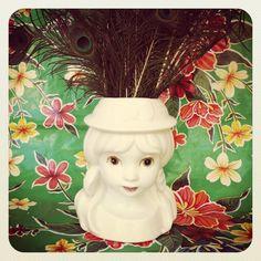 $20  Mujer florero. via Bahía, confecciones, recuerdos y puestas de sol.. Click on the image to see more!