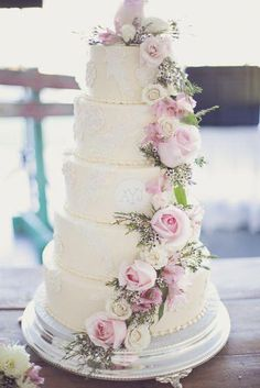 Floral Wedding Cakes Large tiered wedding cake with floral details - Rustic Meets Vintage DIY Wedding Diy Wedding Cake, Floral Wedding Cakes, White Wedding Cakes, Wedding Cakes With Flowers, Beautiful Wedding Cakes, Wedding Cake Designs, Wedding Cake Toppers, Beautiful Cakes, Perfect Wedding