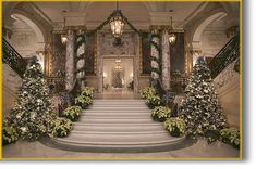 Beautiful Christmas Stair decor