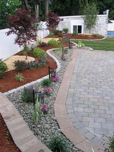 Steal these cheap and easy landscaping ideas​ for a beautiful backyard. Get our best landscaping ideas for your backyard and front yard, including landscaping design, garden ideas, flowers, and garden design. Low Water Landscaping, Landscaping With Rocks, Front Yard Landscaping, Backyard Patio, Backyard Landscaping, Gravel Patio, Backyard Designs, Modern Landscaping, Backyard Privacy