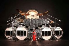 Van Halen 1984 ~ it's not a drumkit it's a Thunder Synthesis Apparatus TSA with a fire extinguisher by law
