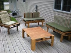 More ideas for DIY Patio furniture from pallets I heart pallets!!!!!!!!!!
