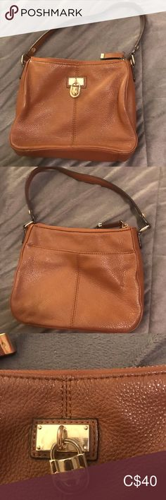 Small Calvin Klein bag Small bag, rarely used, was tucked in a drawer hence there are some bends. These bends should go away when the bag has stuff in it. Mini Bags, Small Bags, Drawer, Calvin Klein, Shoulder Bag, Best Deals, Closet, Accessories, Things To Sell