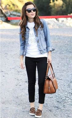 Tee + jean jacket + cropped black pants + sneakers
