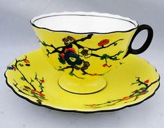 ATLAS-ANTIQUE-GRIMWADES-ENGLAND-BLACK-THORN-BLOSSOM-YELLOW-TEA-CUP-AND-SAUCER