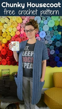 This chunky housecoat pattern works up fast, is heavy and warm! You know what's better than Netflix and crochet? Netflix and crochet - IN A CHUNKY HOUSECOAT! This chunky housecoat free crochet pattern is the perfect solution! Crochet Coat, Chunky Crochet, Crochet Jacket, Crochet Cardigan, Crochet Shawl, Crochet Yarn, Easy Crochet, Crochet Clothes, Free Crochet