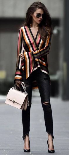 elegant outfit idea : stripped blouse + bag + rips + heels