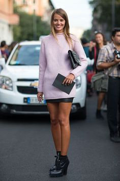 Carlotta owning it | Off duty | pink Knit and black leather skirt studded clutch | Street style Paris