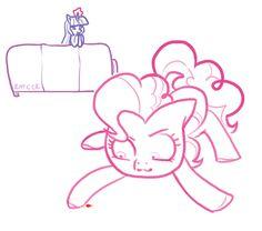 Twilight plays with Pinkie