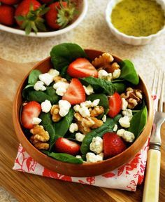 Strawberry Spinach Salad with Poppyseed Vinaigrette via The Live-In ...