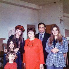 Barbra Streisan, Jason Gould, her Mother Diana Kin, brother Sheldon (Shelly) and sister Roslyn Kind. Circa 1971/72
