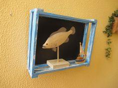 Pizarra en caja de madera, decapada vintage 40 x 30 cm. Original para decorar, anunciar Visítanos en pizarrasdetiza.blogspot.com.es