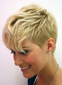 Very Short Haircuts for 2014 – Short Layered Hair – Hair Styles Very Short Haircuts, Cute Hairstyles For Short Hair, Bob Haircuts, Simple Hairstyles, Beautiful Hairstyles, Layered Hairstyles, Short Female Haircuts, Pixie Haircut For Thick Hair, Asymmetrical Hairstyles