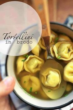 Tortellini-in-Brodo - We've uncovered the best brodo recipes that are so easy to make in your own home. They taste amazing and you won't believe how... Italian Soup Recipes, Pasta Dinner Recipes, Chicken Pasta Recipes, Healthy Pasta Recipes, Healthy Pastas, Lunch Recipes, Appetizer Recipes, Dessert Recipes, Tortellini In Brodo