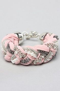 Pink + Pearl + Chain = Awesome!