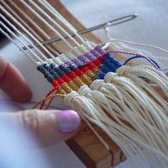 (@myrandaescamilla) itty bitty mini weaving