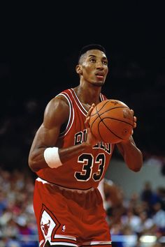 Scottie Pippen of the Chicago Bulls shoots a free throw against the Portland Trail Blazers during a game played in 1992 at the Veterans Memorial. Basketball Skills, Basketball Legends, Basketball Players, Sports Teams, Michael Jordan Pictures, Michael Jordan Basketball, Scottie Pippen, Basketball Photography, Snowboard Girl