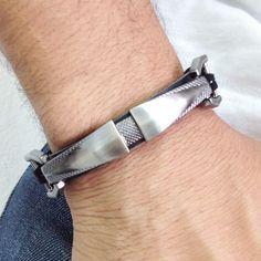 Pulseira masculina Couro placa metálica men men's fashion pulseira bracelet moda