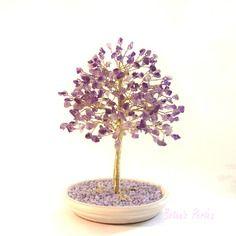 Arbre violet en chips d'améthystes et perles de rocaille