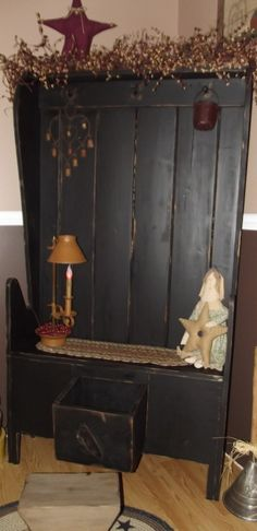 Primitive Settle Bench  Like My page on Facebook to see more of my work :)  Stars & Stitches Primitive Decor