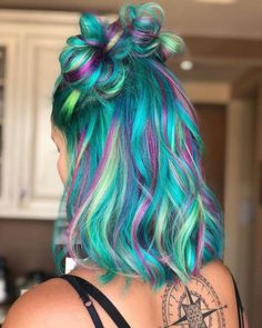 Find out the latest hair care tips and hints. Find out the latest hair care tips and hints. Pastel Hair, Purple Hair, Bright Hair, Green Hair, Latest Hairstyles, Pretty Hairstyles, Scene Hairstyles, Style Hairstyle, Pelo Multicolor