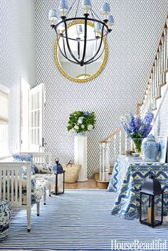 A dreamy blue and white Beverly Hills home! | Mix and Chic | Bloglovin'