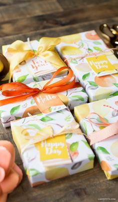 Get your mitts on these cute printable gift tags and wrapping paper in citrus watercolor from handcrafted lifestyle expert Lia Griffith. Creative Gift Wrapping, Creative Gifts, Wrapping Ideas, Gift Labels, Gift Tags Printable, Envelopes, Diy Gifts, Handmade Gifts, Orange Party