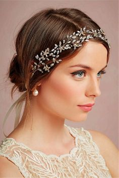 Wedding Hairstyles For Short Hair With Veil And Tiara Hair